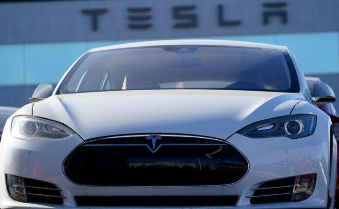 Tesla se une al S&P 500 con un récord