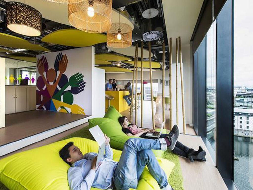 Trabajo en Google: Google traza un plan de trabajo en cuarentena donde sus empleados no queden agotados.