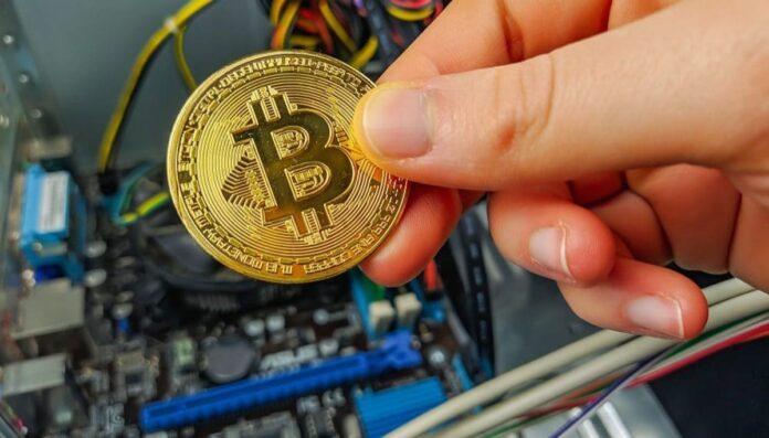 Desplome de Bitcoin es precedido por venta de inventario y por parte de mineros