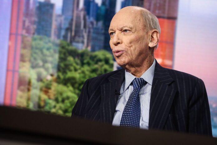 El legendario Byron Wien predice que el S&P 500 caerá antes de alcanzar la cima
