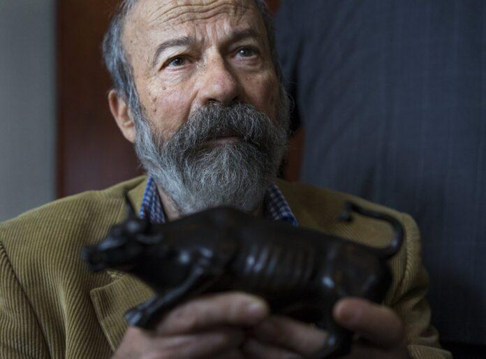 Murió Arturo Di Modica escultor del Toro de Wall Street