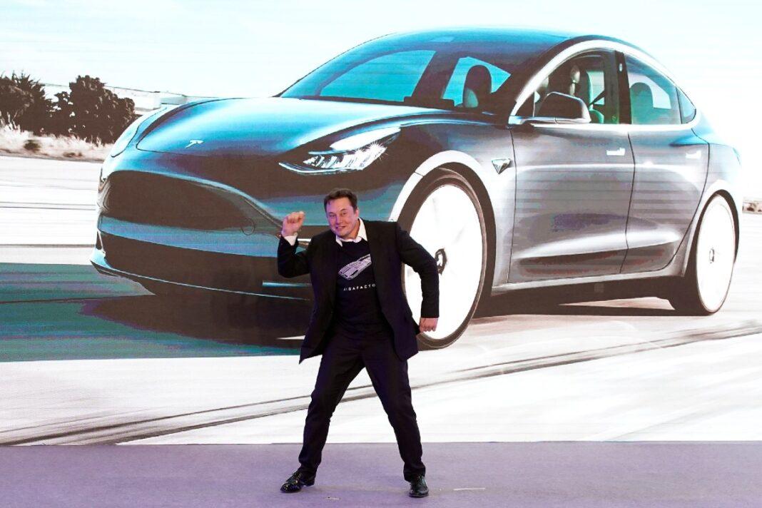 China acusa a Tesla de espionaje y prohíbe su uso en bases militares