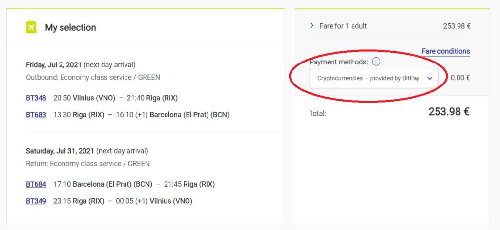 La página web de la aerolínea airBaltic te ofrece la opción de pago con cripto.