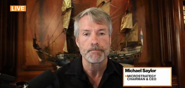"""Durante una entrevista, el CEO de MicroStrategy, Michael Saylor, destacó que Bitcoin obtiene una """"ganancia inesperada"""" con la prohibición de la minería en China. Fuente: Bloomberg TV"""