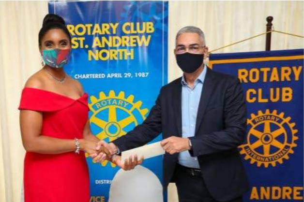 Gobernador del Banco Central de Jamaica, Richard Byles, anunció que el plan piloto de la CBDC, iniciará el próximo mes de agosto. Fuente: Observer