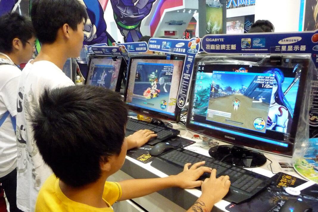 China impone horario restringido a videojuegos para niños