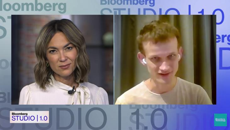 Durante una entrevista con Bloomberg Technology, el cofundador de Ethereum, Vitalik Buterin manifestó desconfianza y escepticismo sobre los planes de los CEO de Twitter y Facebook. Fuente: captura de pantalla en Bloomberg Tech