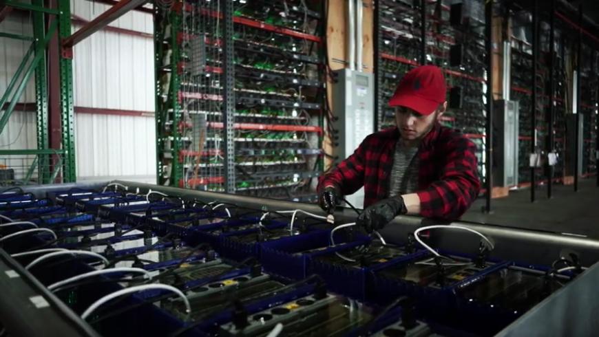 Minar Bitcoin y ganar $54.000 al año, la historia de Nick Sears