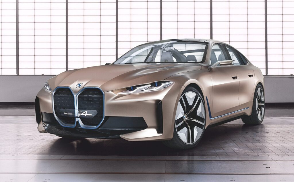 El suministro de celdas de baterías es uno de los muchos problemas que enfrenta la industria automotriz, pero esto no impide que BMW prepare sus futuros modelos como el sedan i4 de la imagen. Fuente: Biry.net