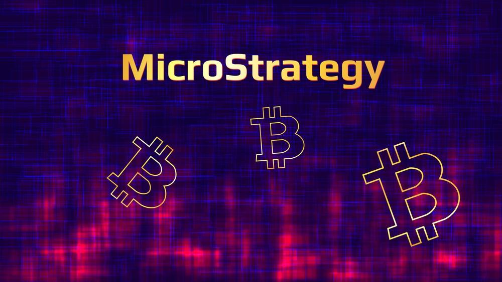 Gerentes de MicroStrategy vendieron acciones tras retroceso de Bitcoin