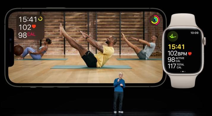 La aplicación Fitness+ añadirá entrenamiento en grupo, y funcionará con SharePlay, por lo que podremos ver a nuestros amigos en iPad, Apple TV y en el iPhone. Fuente: Apple Inc