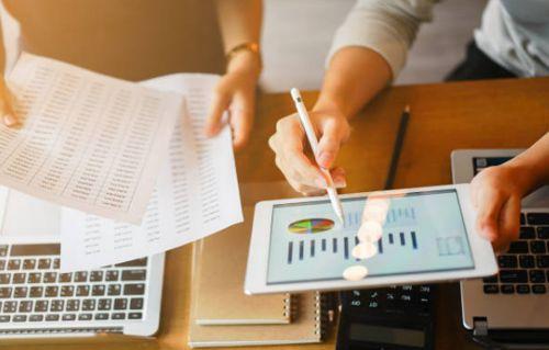 El mercado financiero, puede llegar a ser implacable, sin embargo, con algunas acciones se puede doblegar. Fuente: Masterlogistica.com